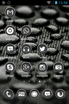 Phoney White android theme home screen